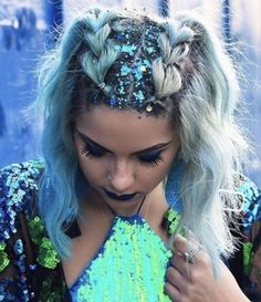 ▷ 1001 + ideas and inspirations for pastel hair color- medium length blue hair, festival outfit, braided hairstyle with braids Prom Hairstyles For Short Hair, Loose Hairstyles, Braided Hairstyles, Mermaid Hairstyles, Coachella Hairstyles Short, Trendy Hairstyles, Gypsy Hairstyles, Concert Hairstyles, Beautiful Hairstyles