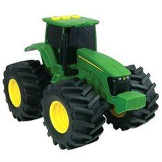 Un tracteur John Deere est essentiel dans un décor inspiré par la campagne. Il est aussi parfait dans l'herbe et le carré de sable!