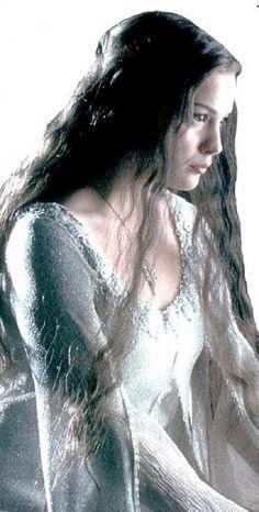 Arwen's gown seen in Frodo's vision at Bilbo's Trolls photo unusedscene86ArwenwhiteFrodovisiong.jpg