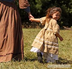 I love prairie dresses. I should have been living in this era! This is SO Little House on the LInda!