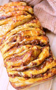 Easy Pumpkin Caramel Pull Apart Bread | willcookforsmiles.com #pumpkin #caramel #bread