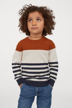 Family Photo Outfits, Cute Outfits For Kids, Boy Outfits, Winter Outfits, Winter Clothes, Family Photos, Brown Sweater, Fashion Company, Long Sleeve Sweater