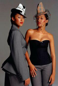 Tia & Tamera Black Celebrities, Celebs, Tia And Tamera Mowry, Lab, Vintage Black Glamour, Black Actresses, Black Artists, Beautiful Black Women, Aesthetic Fashion