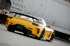Mazda RX-7 with Velislide body.