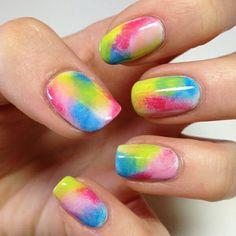rainbow sponge Fabulous Nails, Gorgeous Nails, Pretty Nails, Nail Polish Designs, Cool Nail Designs, Sponge Nail Art, Makeup Sponge, Tie Dye Nails, Gradient Nails