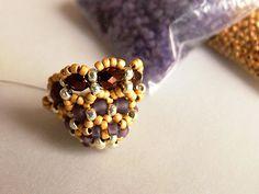 Beaded Bead Caps, may need translation but good pix #Seed #Bead #Tutorials