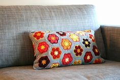 Free Knitted Crochet African Flower Pillow Pattern - Crochet Cushion, Crochet Craft, Sofa Cushion