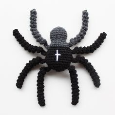 Deadly Spider free crochet pattern - 10 Free Spider Crochet Patterns - The Lavender Chair