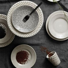 Bubbles, Sweet Home, Table Settings, New Homes, Clay, Plates, Table Decorations, Tableware, Interior