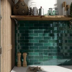 Retro tiles Artisan by Equipe Cerámicas in trendy design and in absolute top quality can be found at Keramics. Ceramic Mosaic Tile, Ceramic Subway Tile, Glass Subway Tile, Porcelain Tiles, Glazed Ceramic, Green Subway Tile, Green Tiles, Green Bathroom Tiles, Green Kitchen Tile Ideas