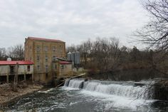 Not in the book, but since I had those shots of the bridge, I had to show the other side: Weisenberger Mill, the oldest operating commerical mill in Kentucky. You can go in and buy various mixes (and they are tasty and inexpensive!).
