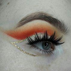 "1,164 Likes, 19 Comments - Summer Rose (@summerrosemakeup) on Instagram: ""Orange and gold - @sugarpill - Buttercupcake,  Flamepoint, Love+ Goldilux  @makeuprevolution baked…"""