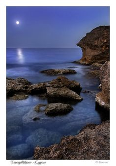 Tranquil moon from #Cyprus #kitsakis