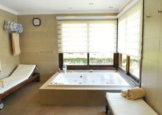 Baño con hidromasaje. Por Seratti y Saviotti Arquitectos. www.PortaldeArquitectos.com