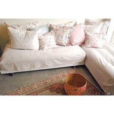 Russian Folk Bed ~ Rachel Ashwell collection  ~ Shabby Chic Style & Inspiration ♥ #shabbychic