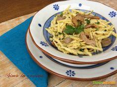 Trofie con funghi galletti o finferli  e salsiccia  #ricette #food #recipes