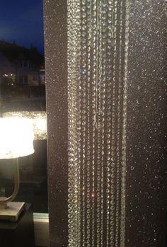 I must have one glitter wall in my home. Glittery Wallpaper, Glitter Room, Glitter Dress, Cozy Bedroom, Bedroom Ideas, Master Bedroom, Trendy Home, My Dream Home, Furniture Decor