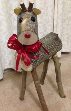 HomelySmart & 11 DIY Frugal Christmas Decor With Wood & HomelySmart The post 11 Wooden Decoration For Christmas appeared first on Dekoration. Frugal Christmas, Christmas Wood Crafts, Outdoor Christmas Decorations, Rustic Christmas, Christmas Projects, Holiday Crafts, Christmas Holidays, Christmas Ornaments, Christmas Deer