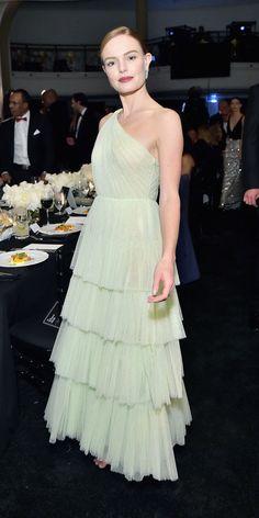 Kate Bosworth effortlessly wore a chartreuse tulle Jason Wu gown and sparkling Jimmy Choo sandals during the Learning Lab Ventures 2019 Gala. Mary Kate Olsen, Priyanka Chopra, Carrie Bradshaw, Warm Dresses, Nice Dresses, Kate Bosworth Style, Elie Saab Gowns, Sparkly Gown, Couture Week