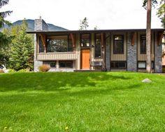 split foyer traditional home design photos