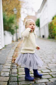 Barnegenser i perlestrikk