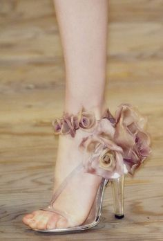 Shoes at Alexander McQueen Spring 2007 / fantasy shoes