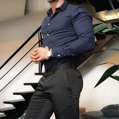 Mens Fashion Smart – The World of Mens Fashion Casual Look For Men, Men Casual, Mode Masculine, Navy Blue Dress Shirt, Formal Men Outfit, Casual Outfits, Moda Formal, Mode Costume, Style Masculin