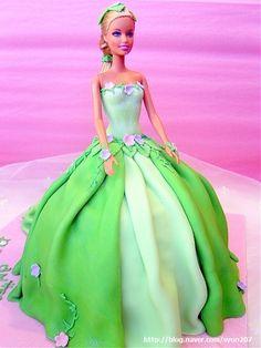debora hwang cakes: barbie cake