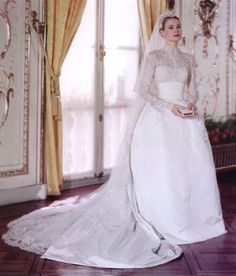 Grace Kelly on her wedding day in Monaco, April 19th, 1956. Grace Kelly dress by Helen Rose