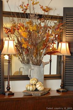 Fall Decor Interior design home ideas. Thanksgiving decorating. Fall Decorating
