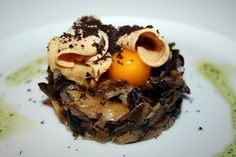 Restaurante Maracaibo - Sinfonía de setas con yema de huevo, foie de Abejar y trufa (más en: www.comerconlosojos.com)