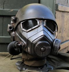 Helmet Armor, Suit Of Armor, Character Design References, Character Development, Ncr Ranger, Fallout Power Armor, Best Cosplay, Awesome Cosplay, Fallout Props