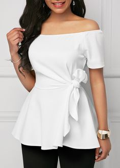 Women Blouse Designs, Women Blouses And Tops, Formal Blouses For Women Stylish Tops For Girls, Trendy Tops For Women, Blouses For Women, Ladies Blouses, White Short Sleeve Blouse, Short Sleeve Shirts, White Off Shoulder, Ladies Dress Design, Fashion Outfits