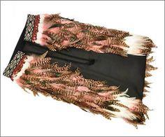 Maori feather cloaks are known as korowai. We feature baby korowai, children's korowai and adult's korowai Feather Cape, Maori People, Maori Designs, Puppet Making, Maori Art, Creative Outlet, Weaving Techniques, Creative Inspiration, Cloaks