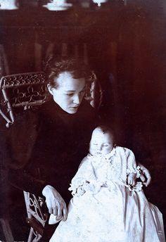 Beyond Grief, Albumen Print on Card Board, Circa 1895.© Ann Longmore-Etheridge Collection  | Flickr - Photo Sharing!