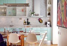 mint kitchen- my dream Cosy Kitchen, Mint Kitchen, Swedish Kitchen, Turquoise Kitchen, Kitchen Colors, Kitchen Decor, Turquoise Cabinets, Diy Interior, Interior Design Kitchen