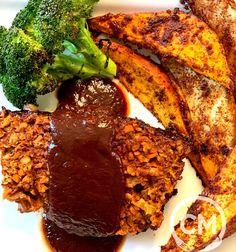 Beyond Beef Meatloaf — Chef Charity Morgan Vegan Recipes Bbq Meatloaf, Meatloaf Recipes, Vegan Meatloaf, Cooking Meatloaf, Vegan Chef, Vegan Vegetarian, Vegetarian Recipes, Vegan Menu, Vegetarische Rezepte
