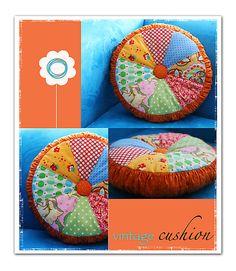 J028 Vintage Cushion