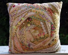 crazy quilt by Evelyne Mauvilly link http://www.fantaisiescrazybyevy.blogspot.com/