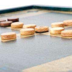 Le Tablut est un amusant jeu de stratégie pour deux joueurs. Cest un wargame…
