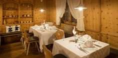 Stube tirolese & Salone   Hotel Hubertus in Valdaora - Alto Adige
