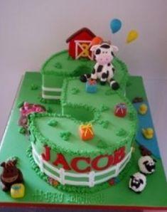 Farm Themed Birthday Cake Ideas - Share this image!Save these farm themed birthday cake ideas for later by share this imag Farm Birthday Cakes, Farm Animal Birthday, Birthday Cake Girls, 3rd Birthday, Birthday Ideas, Barnyard Cake, Farm Cake, Barnyard Party, Farm Party
