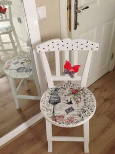 I will show you how to decoupage a lovely tea box from. I used decoupage glue and paper napkins. Hand Painted Chairs, Hand Painted Furniture, Repurposed Furniture, Shabby Chic Furniture, Kids Furniture, Decoupage Chair, Decoupage Vintage, Christmas Chair, Decoupage Tutorial