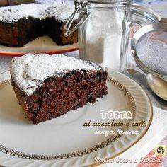 La Torta al cioccolato e caffe'senza farina non solo è buonissima, in effetti la fusione del cioccolato al caffè sono una garanzia. Una torta consigliata a