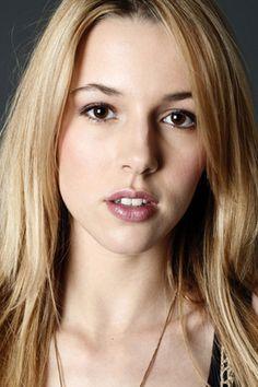 Kate (Alona Tal)