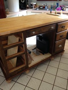 [d]after spending countless hours surfing the web for the perfect kitchen island with a very small budget, left me with very little to choose from.  So I decide…