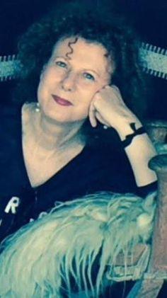 """Alla campagna di #stopfemminicido e #pariopportunità iniziata nello scorso giugno, dal titolo #noiciamiamo, ha aderito con mia grande emozione, uno dei nomi più conosciuti nell'ambiente della moda. Quante di noi, infatti, si """"amano"""" nei propri """"panni"""" ? Stavolta, si tratta di Giusy Babetto, Key account manager senior and coordinator BE Elle (Elle Spose e Very Elle).http://federicaferretti.com/news/news-giusy-babetto-mi-10.html"""