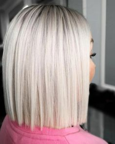 79 Beste Und Schöne Frisuren Halblang Are you looking for medium length hairstyles that can flatter Medium Hair Styles, Short Hair Styles, Short Hair Colors, Icy Blonde, Short Platinum Blonde Hair, Blonde Blunt Bob, Platinum Bob, Blonde Wig, Platinum Blonde With Highlights