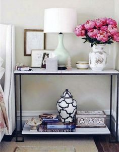 I love how it's predominately white and black, with the pop of pink from the flowers.