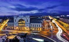 Eastern Railway Station - Budapest Keleti Pályaudvar nem mindennapos szögből. Capital Of Hungary, Dream City, Metroid, Budapest Hungary, Halle, Big Ben, Places Ive Been, Travel Inspiration, Places To Visit